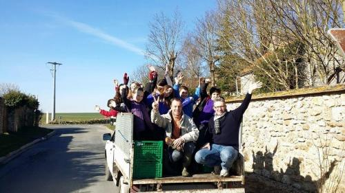 janvry-nourrissage-Animaux-tracteur